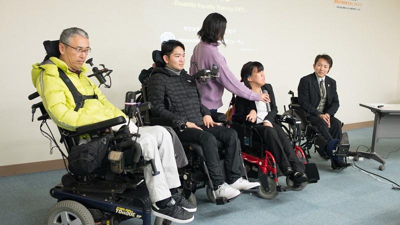 《電動車いすから見た景色》2 障害者との対話を通して共生社会を